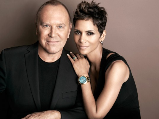 halle-berry-michael-kors-watch-hunger-stop-1-537x402